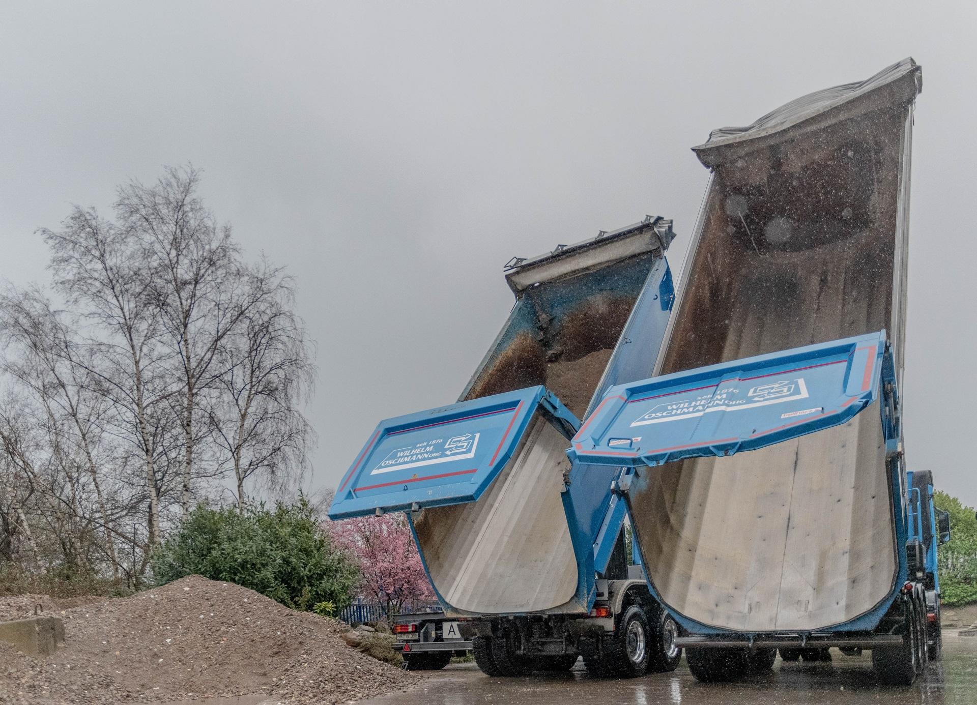 Lieferung von HKS-Schotter und Recyclingmaterial